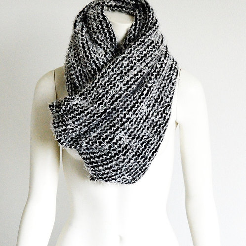 Large double scarf