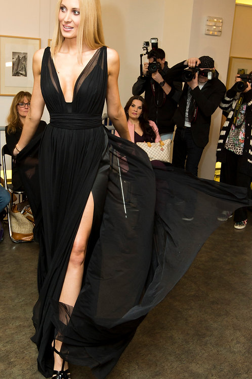 Tulle dress with siding