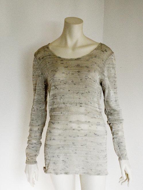 Yarn blouse made of button yarn