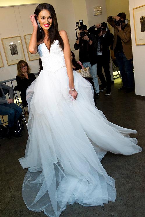 Svatební šaty s korzetem Swarovski