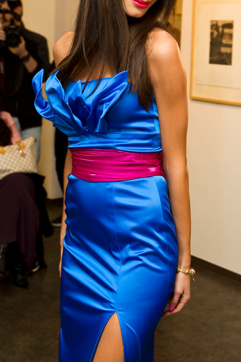 Dress with arranged bodice leaves