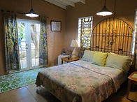 bananas-guesthouse3-300x224.jpg