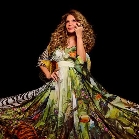 Elba Ramalho celebra 40 anos de carreira em live no Teatro Bradesco