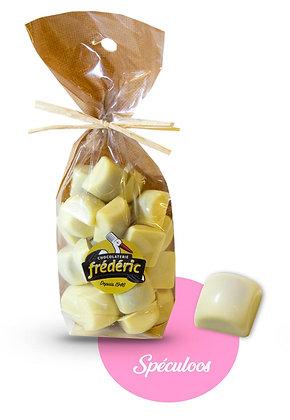 CUBES-Chocolat Blanc-Fourrés-Sachet Confiseur 200 gr