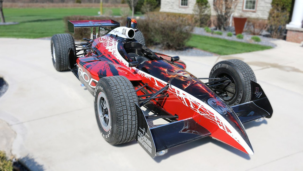 Dean Loucks Paints Indy Car