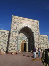 中央アジアウズベキスタン東川町民訪問団帰国   妻も元気に帰国