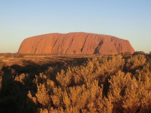 オーストラリア エアーズロック登山