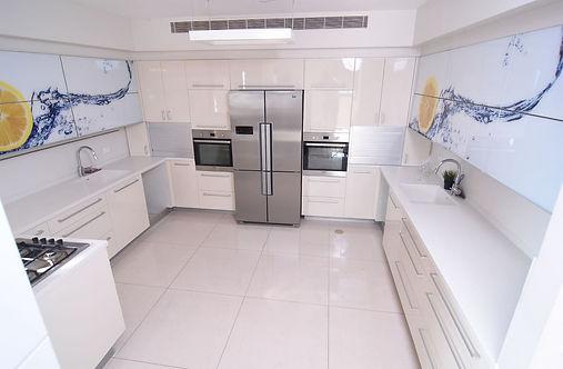 A18 Kitchen.jpg