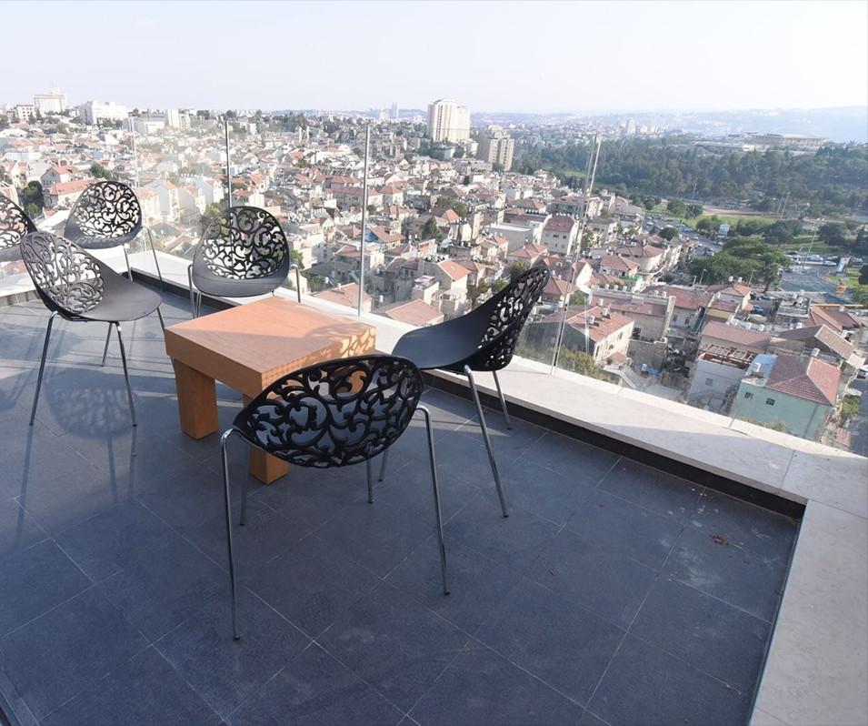 Penthouse C19 10.jpg