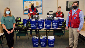 Lowes donates $4,000 worth of tools to PHCC's skilled trades programs