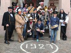 Carnevale 2017, davanti alla Casa di riposo di Predazzo. Chi ha il costume migliore?