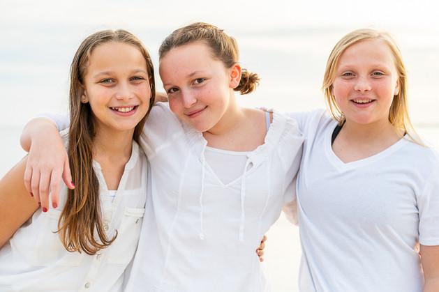 cousins on the beach (2 of 17).jpg