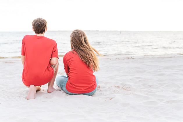 beach family (1 of 3).jpg