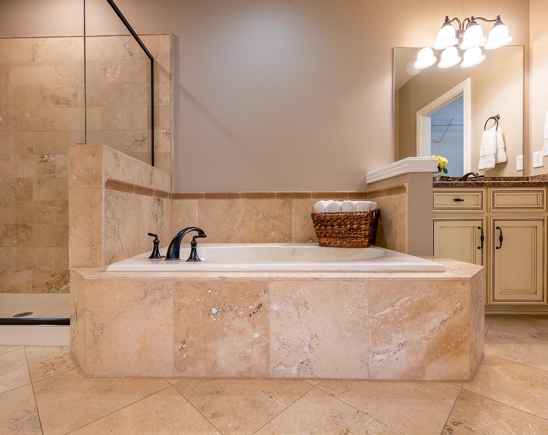 Franklin Townhome Master Bath jet tub