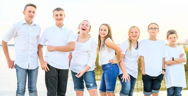 cousins on the beach (16 of 17).jpg