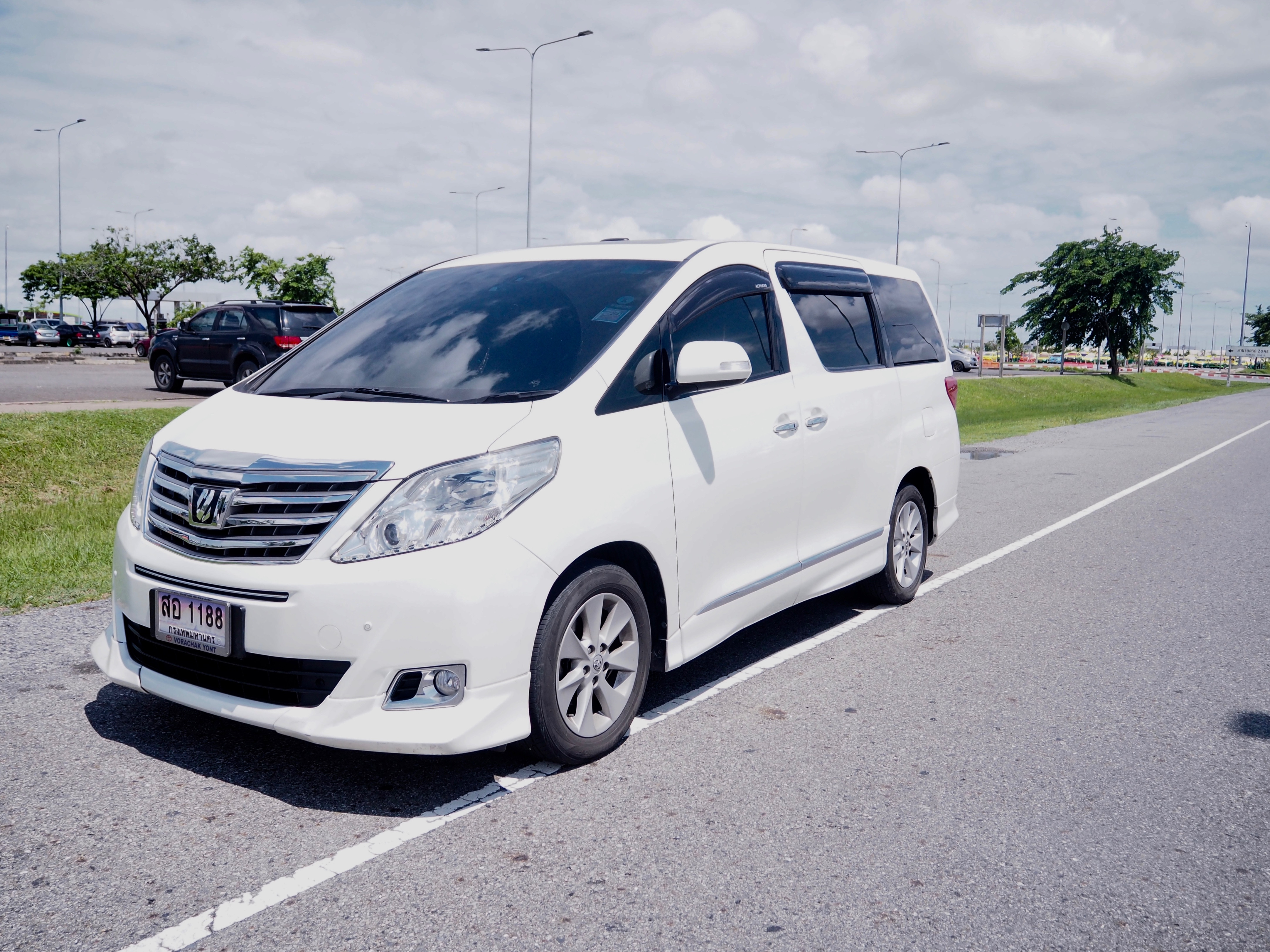 Executive Van - Airport Transfer Service