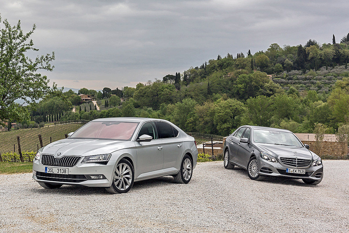 Mercedes-E-Klasse-Skoda-Superb