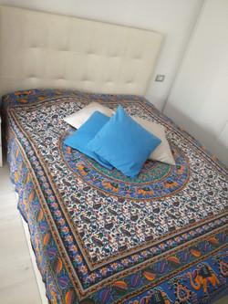 Wohnraum-Doppelbett