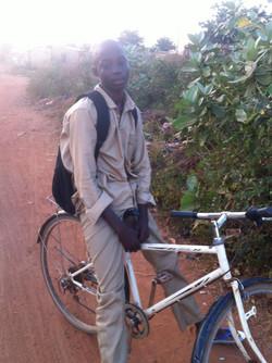 Alexandre sur son nouveau vélo