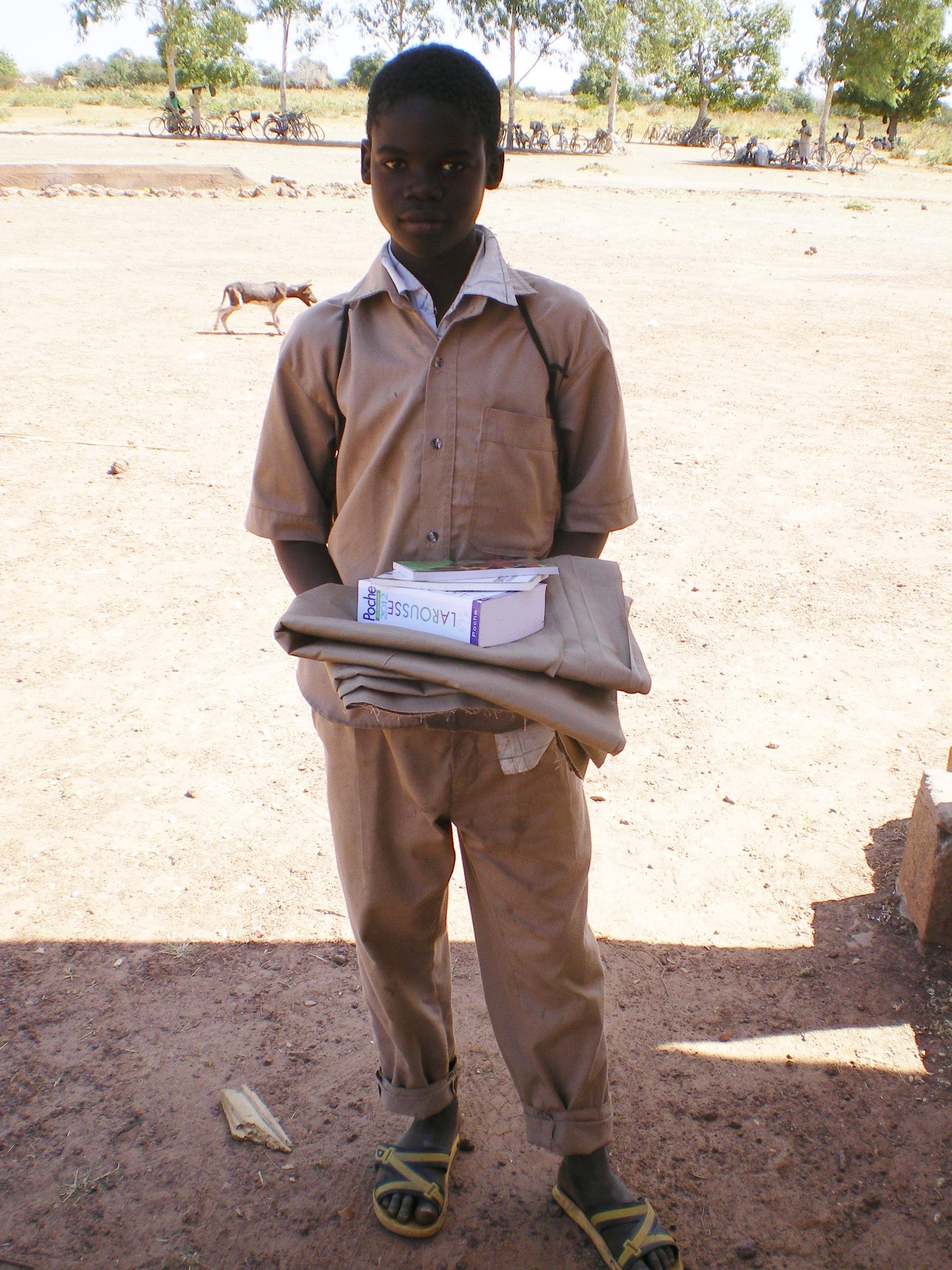 Noufou reçoit sa dotation scolaire
