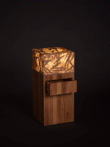 Viaplant-Columna-noćni sto sa lampom.jpg