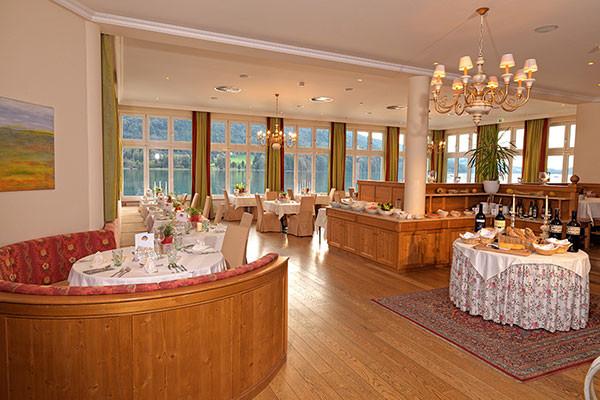 Tischlerei_Poeckl_Hotelsausstattung2.jpg