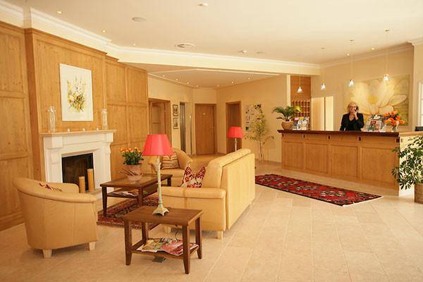Tischlerei_Poeckl_Hotelsausstattung4.jpg