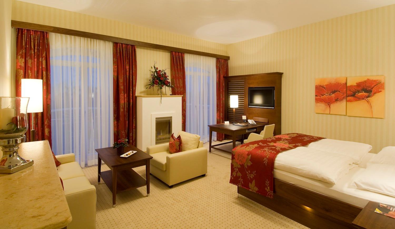 Hotel_Gmachl_Bergheim_Panoramazimmer.jpg