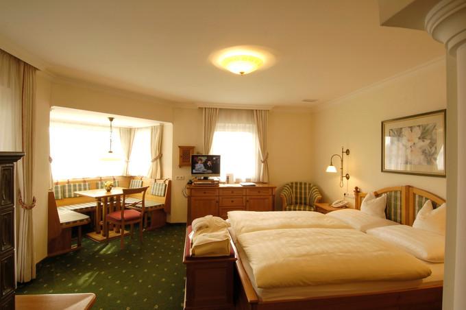 Hotel_Gmachl_Bergheim_DZLeopoldskron.jpg