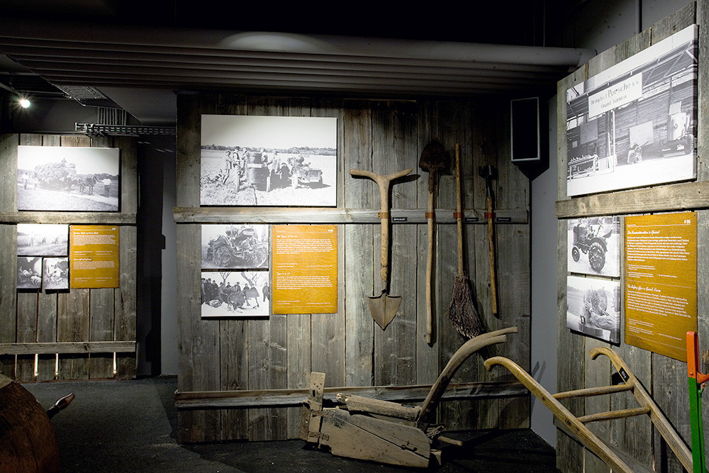 Traktoren-Stadl_4.jpg