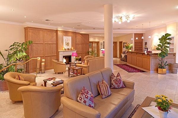 Tischlerei_Poeckl_Hotelsausstattung.jpg