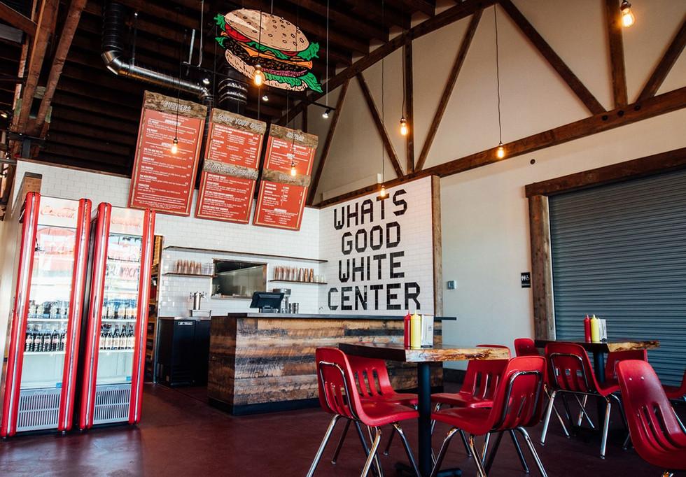 Woodys_WhiteCenterwhitecenter-interior3-min.jpg