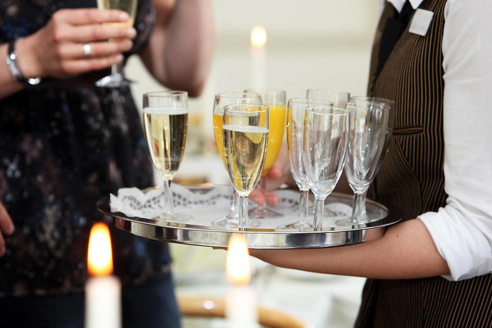 camarero-boda-champan.jpg