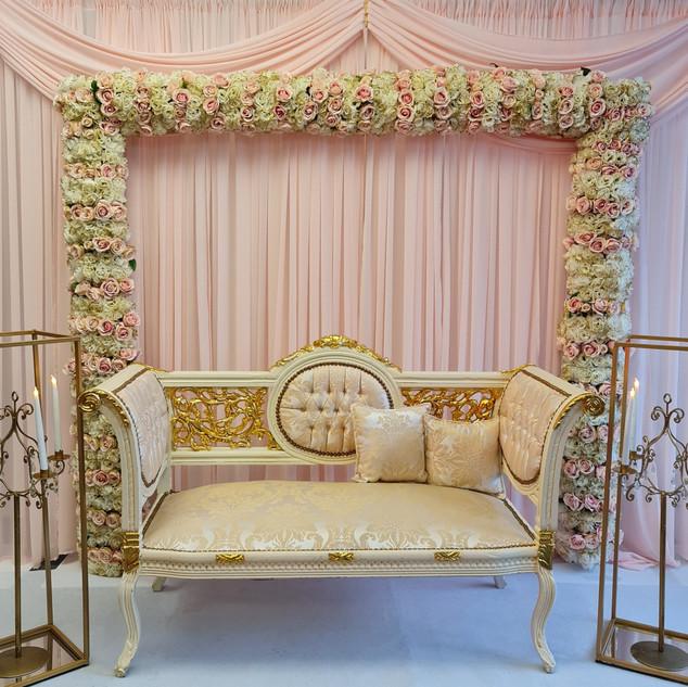 Dreamy Blush & Gold Stage