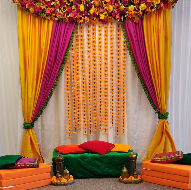 Simple Elegant Mehndi Backdrop & Props