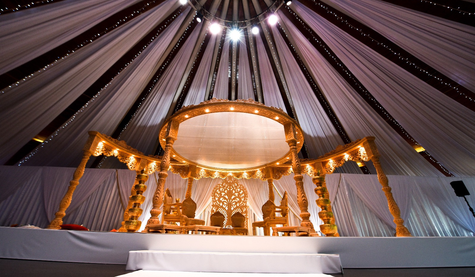 16 Pillar Luxury Mandap