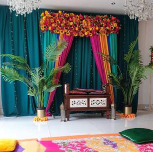 Contemporary Mehndi Set up