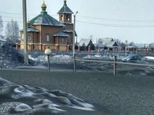 SIBERIA: LA NEVE E' SPORCA DI CARBONE, I RUSSI LA DIPINGONO DI BIANCO