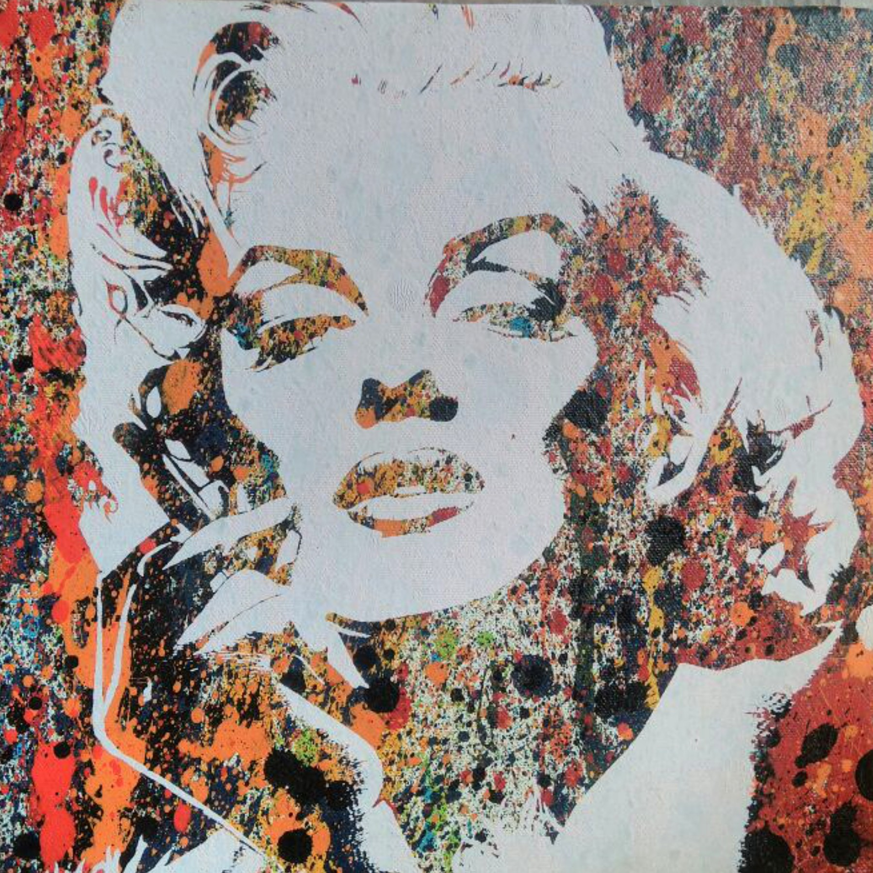 Marilyn Monroe (white)