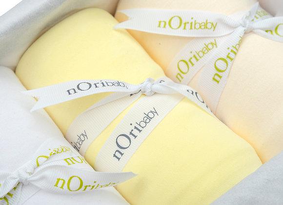 Set de regalo de 3 frazadas de Algodón PIMA. Amarillo, blanco y beige.