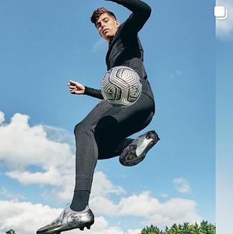 Nike Insta 4.png