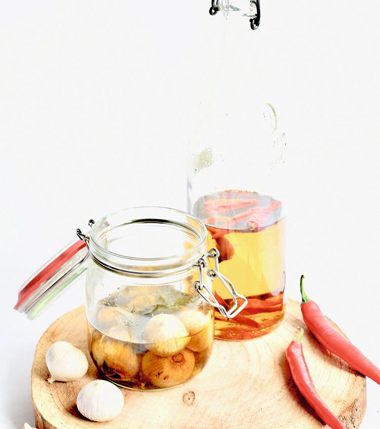 Chili-olie en gekonfijte knoflook