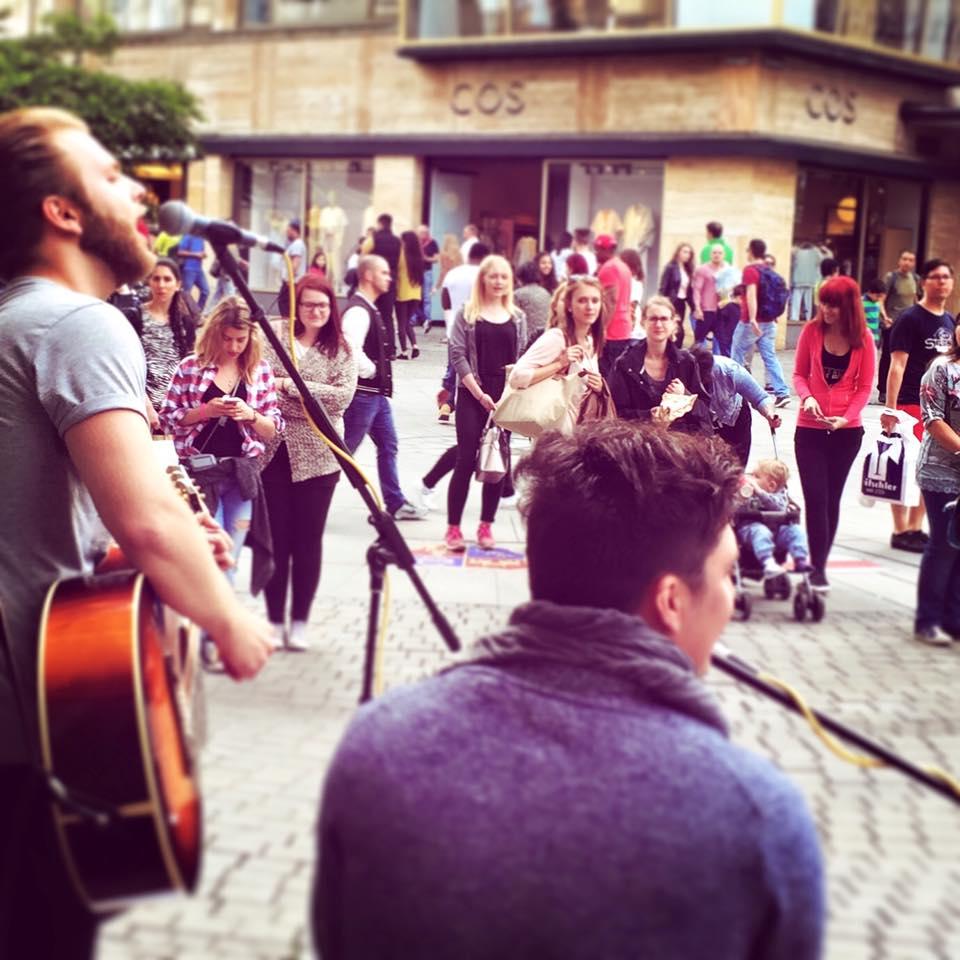 Straßenmusik-Session