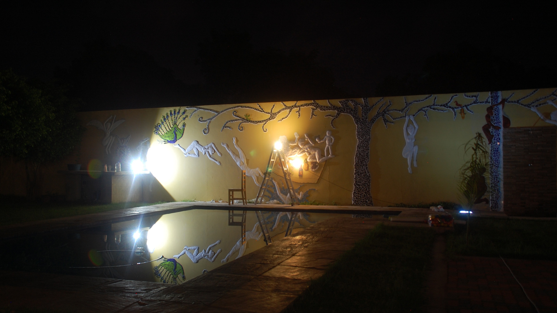 unpainted mural by night.jpg