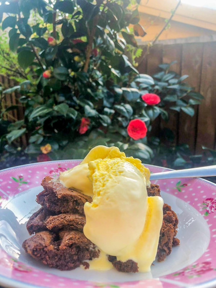 Nutella brownie with vanila ice-cream