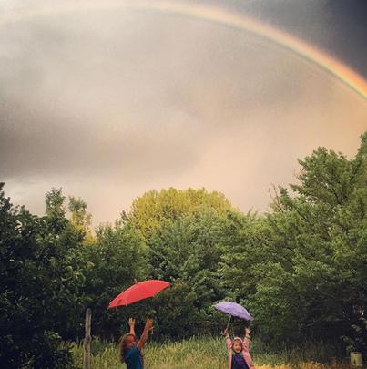 rainbowtwogirls.png