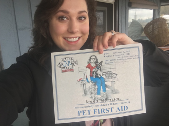Jenna receives her certificate