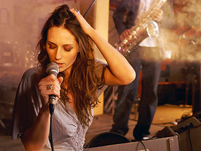 Live Singer for your Cyprus Wedding with a variety of styles