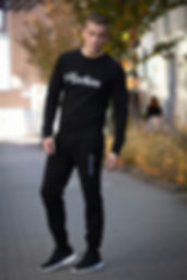 Machien sweater + sweatpants black.jpg