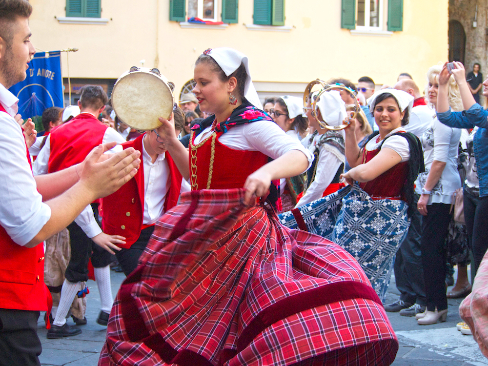 Traditional Italian dance Tuscany
